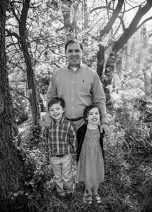 Daddy and the Kids bw (1 of 1)